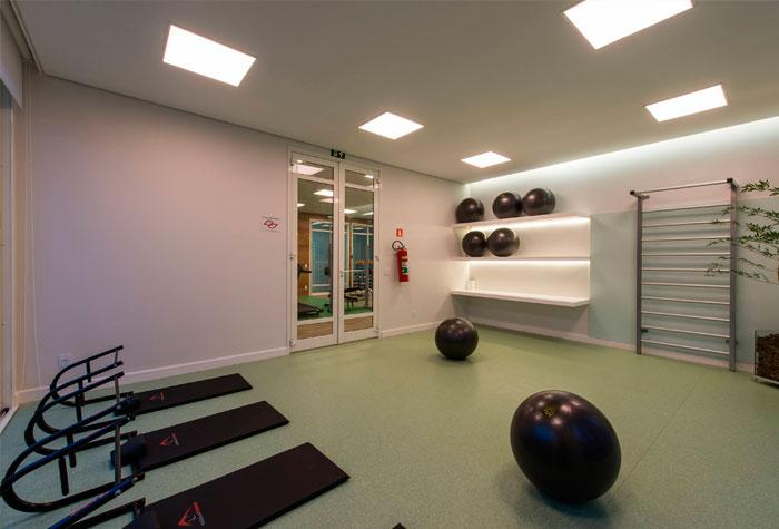 A iluminação deve ser controlada para promover a sensação de sossego e relaxamento. (foto: Reprodução/Tecnisa)